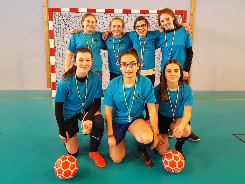 L'équipe benjamine de futsal championne départementale UGSEL
